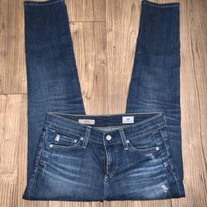 AG Distressed The Beau Size 25 R